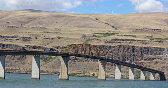 2012-10-18-21-roadtrip-spokane-dalles